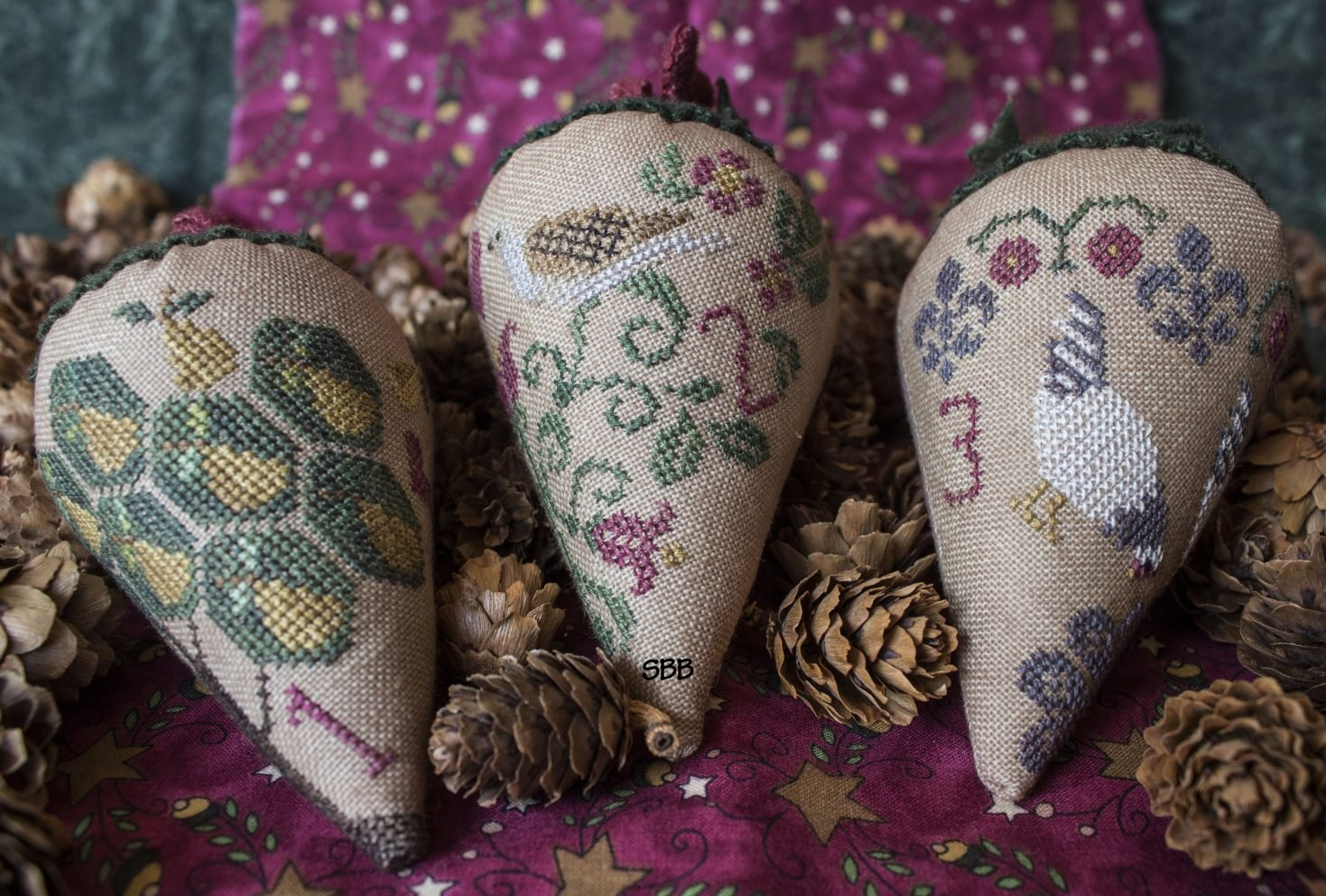 Erica Michaels Linen Berry Collection ~ The 12 Days Of Christmas #1
