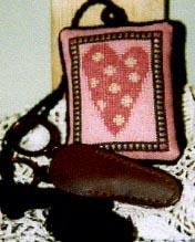 Ewe & Eye & Friends Polka Dot Heart Scissor Companion