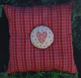 Ewe & Eye & Friends Tiny Heart Button
