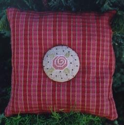 Ewe & Eye & Friends Tiny Rose Button