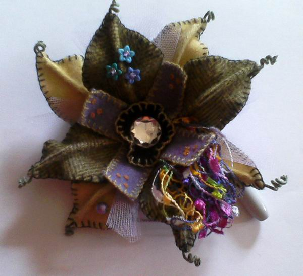 Fern Ridge Collections Funky Flower Pin