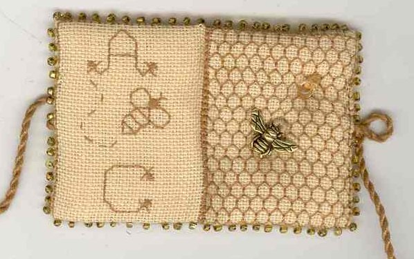 Fern Ridge Collections Honeycomb Needle Book