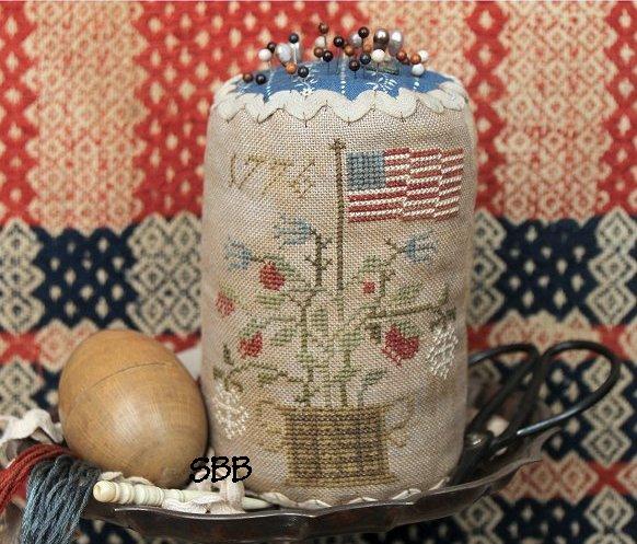 Heartstring Samplery Grand Old Flag Pin Drum
