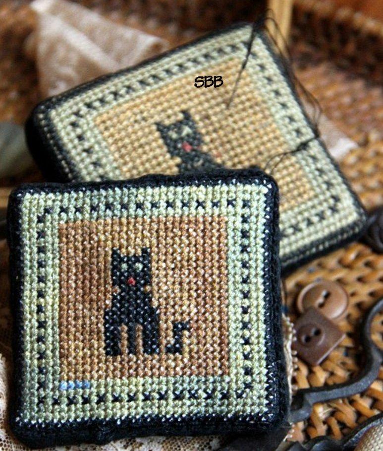 Heartstring Samplery Le Meow Antique Pincushion