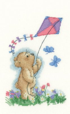 Heritage Crafts HC1137 Sue Hill Collection ~ Toffee Bear ~ Toffee With Kite