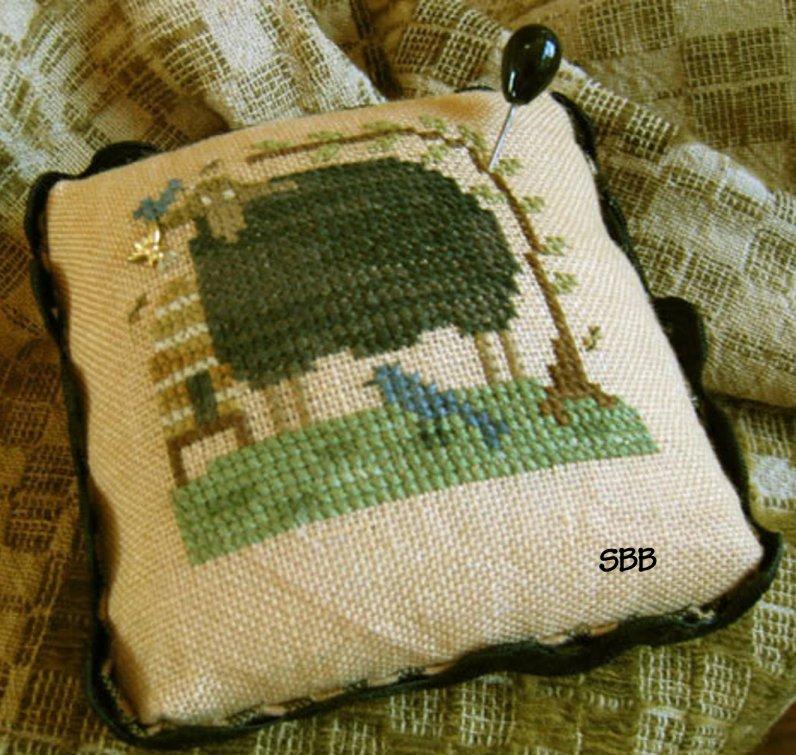 Homespun Elegance LTD Blackie Pin Cushion
