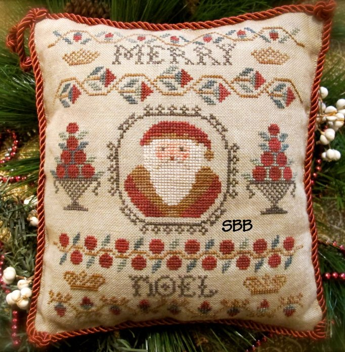 Homespun Elegance LTD Cinnamon Stick Santa XXV ~ Merry Noel Sampler Santa
