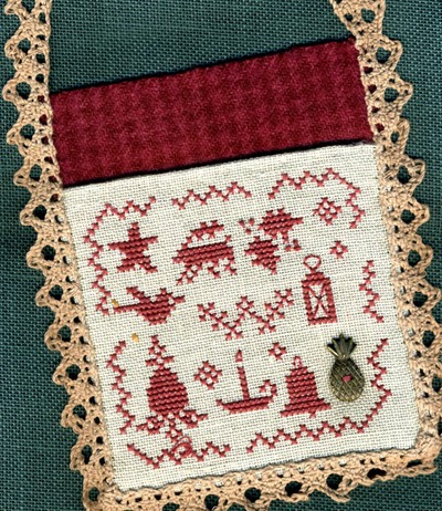 Homespun Elegance LTD Colonial Christmas Hanging Pocket ~ Merry Noel Collection