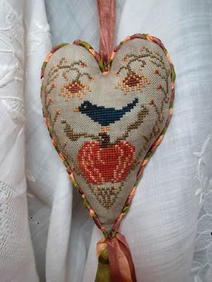 Island Cottage Needle Arts Pumpkin Harvest Heart