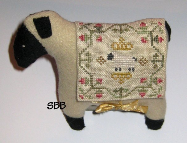 Island Cottage Needlearts Woolie Kit #3 Clover Sheep