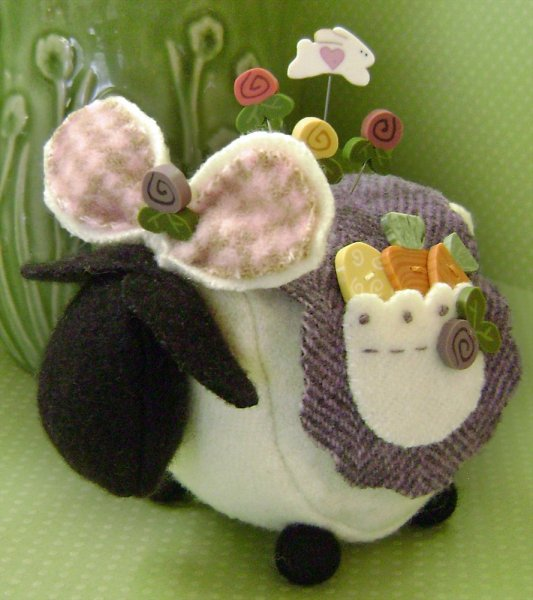 JABCo Clearance Ewe Look Fabulous For The Hop Pincushion Kit