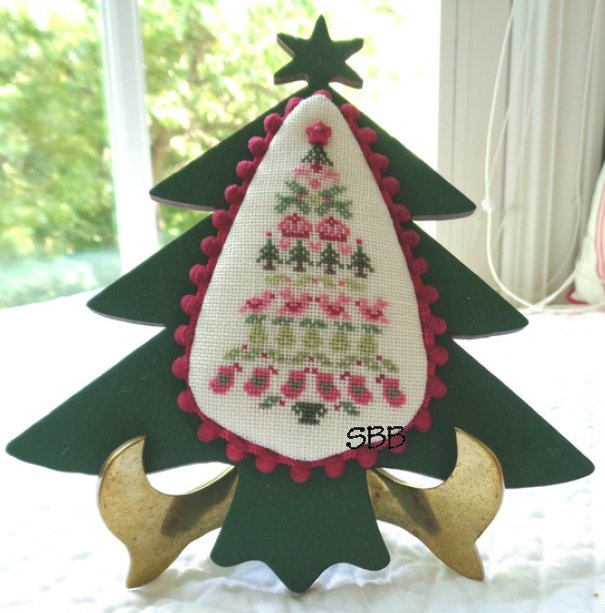 JBW Designs Folk Art Christmas Tree With Embellishments