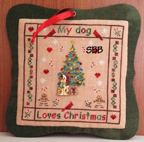 MTV Designs My Dog Loves Christmas With Wooden Buttons