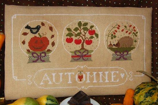 Madame Chantilly Automne (Autumn)