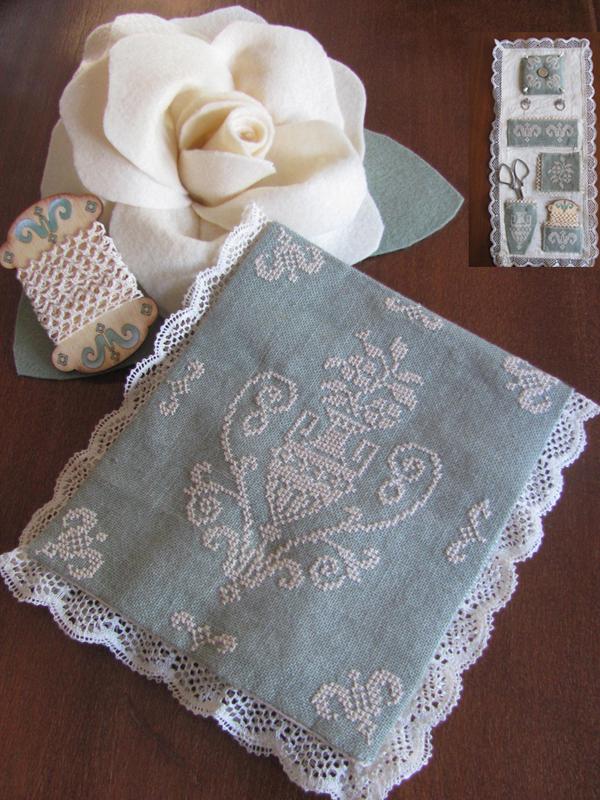 Mani di Donna Antique Lace Pochette