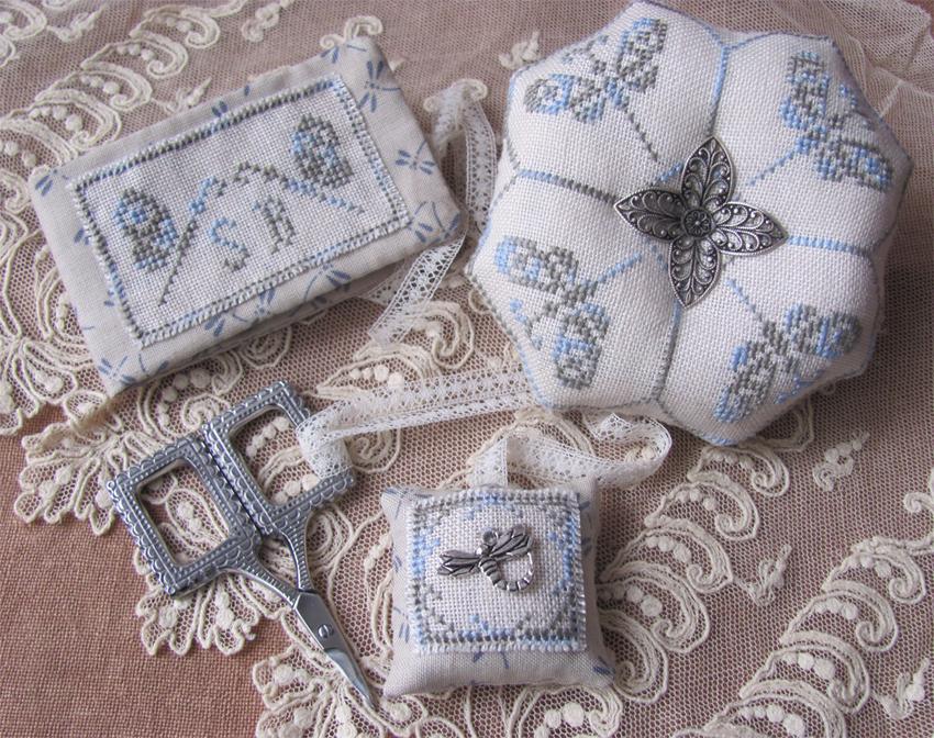 Mani di Donna Dragonfly Sewing Set