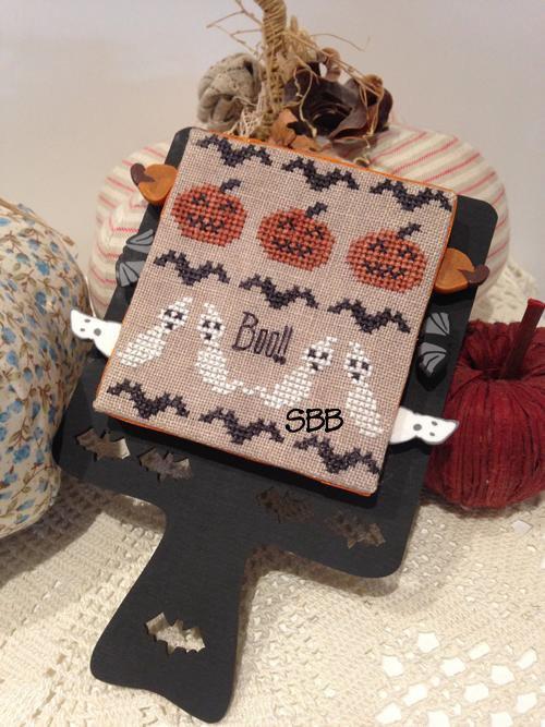 Mani di Donna Hornbook Series #3 ~ Halloween With Wooden Hornbook