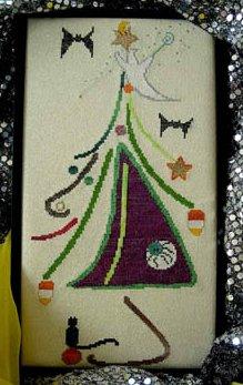 Marilynn & Jackie's Collectibles Halloween Frolic Tree