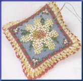 Mill Hill Special Edition Kits MHBPP4 Beaded Pin Pillows 2003 ~ Daisy Dream ~ 28 Count Linen