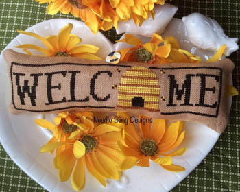 Needle Bling Designs Wee Welcome ~ May Bee Hive