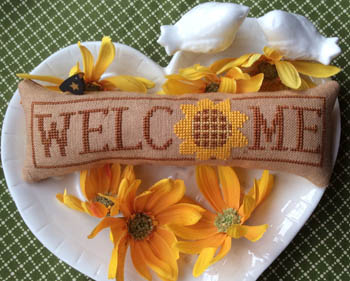 Needle Bling Designs Wee Welcome ~ August Sunflower