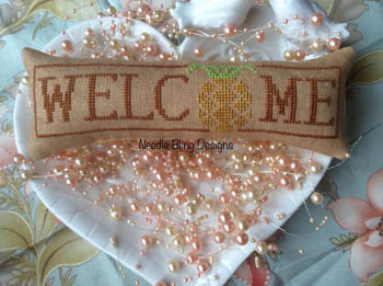 Needle Bling Designs Wee Welcome ~ Pineapple