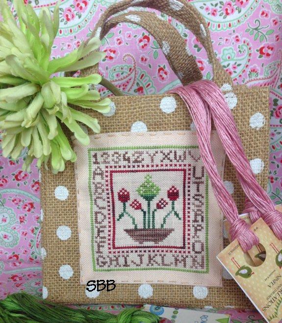 Romys Creations Designs Garnet Flowers Little Bag