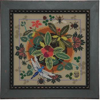 Tellin Emblem Bloom & Bugs ~ Vinca