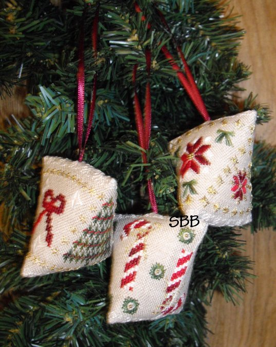 Wendy KC Designs Closeout Christmas Humbugs
