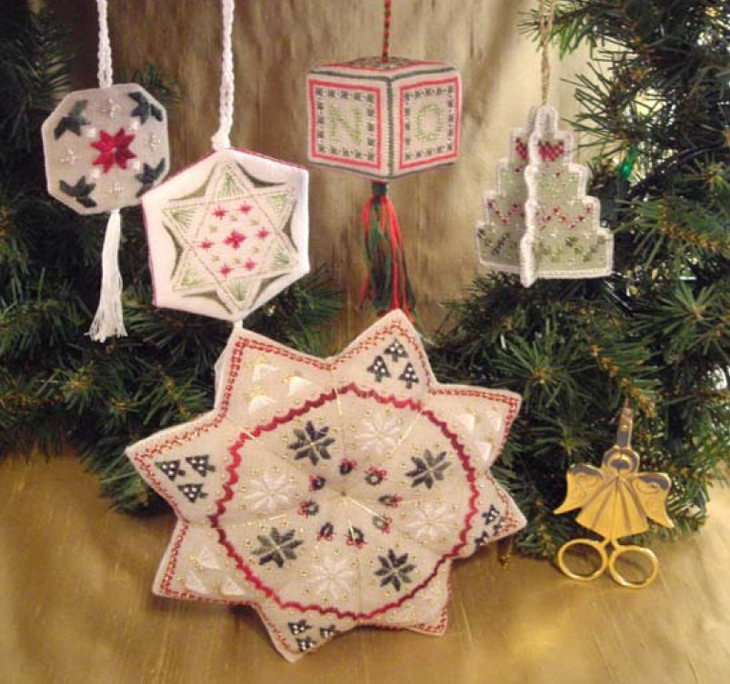 Wendy KC Designs Closeout Christmas Potpourri: Large Star Tuffet & 4 Ornaments